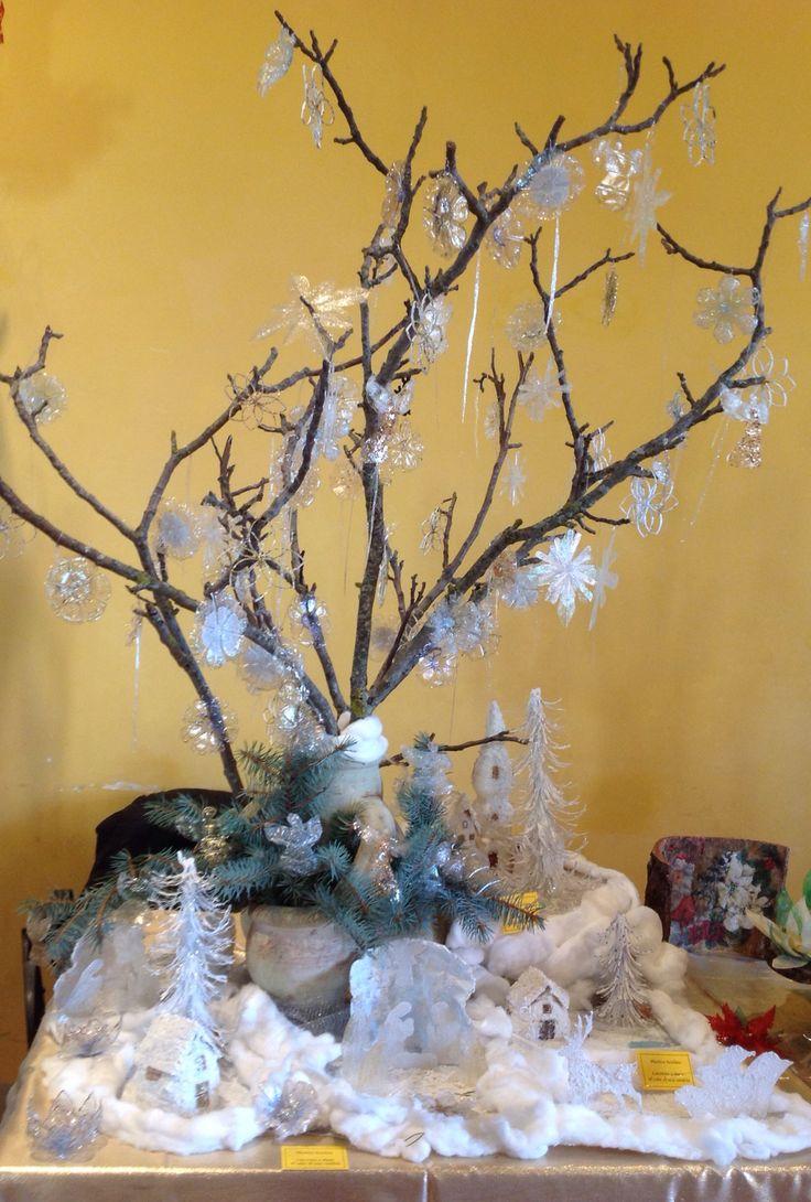 Cristalli e paesaggi innevati per un magico  Natale! Plastica riciclata lavorata a mano al calor di una candela.