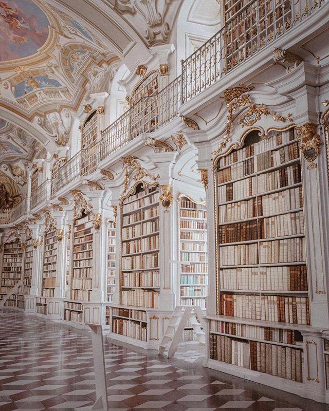 Österreich ist eine bunte Mischung aus Architektur der alten Welt und