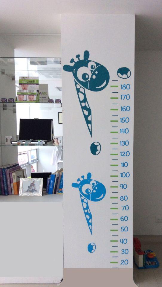 Tallimetro Jirafas en vinilo autoadhesivo - decoración consultorio pediatrico - Wall decal