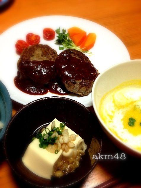 かぼちゃスープ。生クリーム上手くかけれずでも子供達美味しいって食べてくれた;^_^A - 8件のもぐもぐ - ハンバーグ、かぼちゃスープ、温やっこ豆腐 by アーちゃん