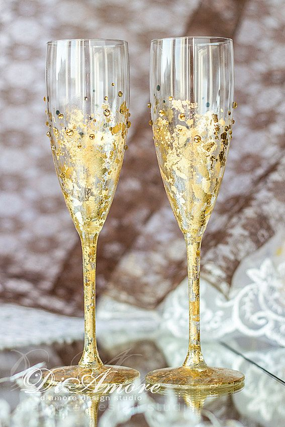 Gold and red wedding champagne glasses, personalized, collection Art Deco, bride and groom flutes, wedding gift ideas, wedding supplies 2pcs