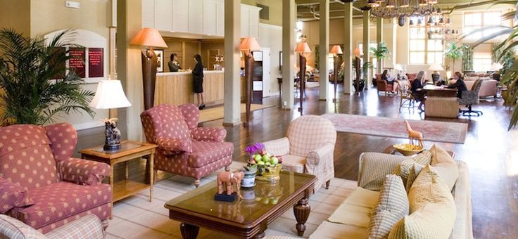 New Orleans Convention Center Hotel – Convenient New Orleans Hotel Stay in the older warehouse building - it's incredibly charming