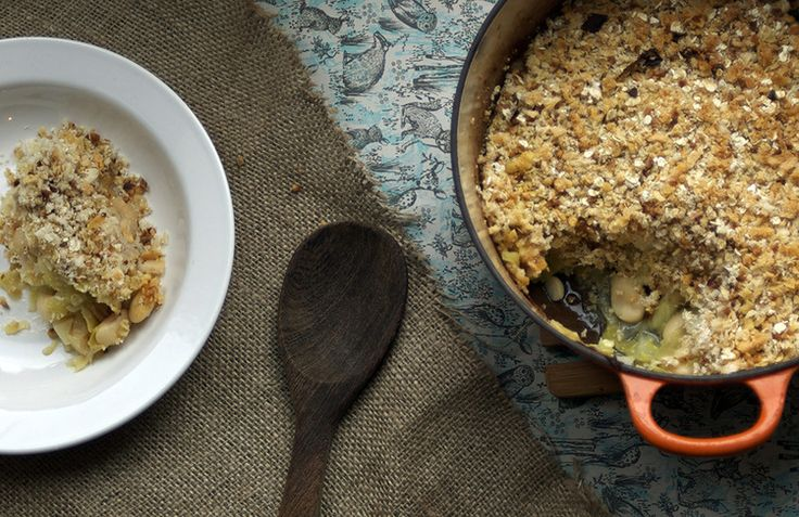 Leek, butterbean and Wensleydale cheese savoury crumble recipe