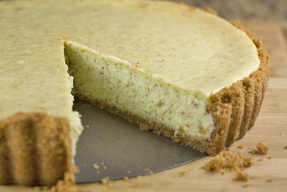 Pistachio Cheesecake - Oh my, this is happening!!