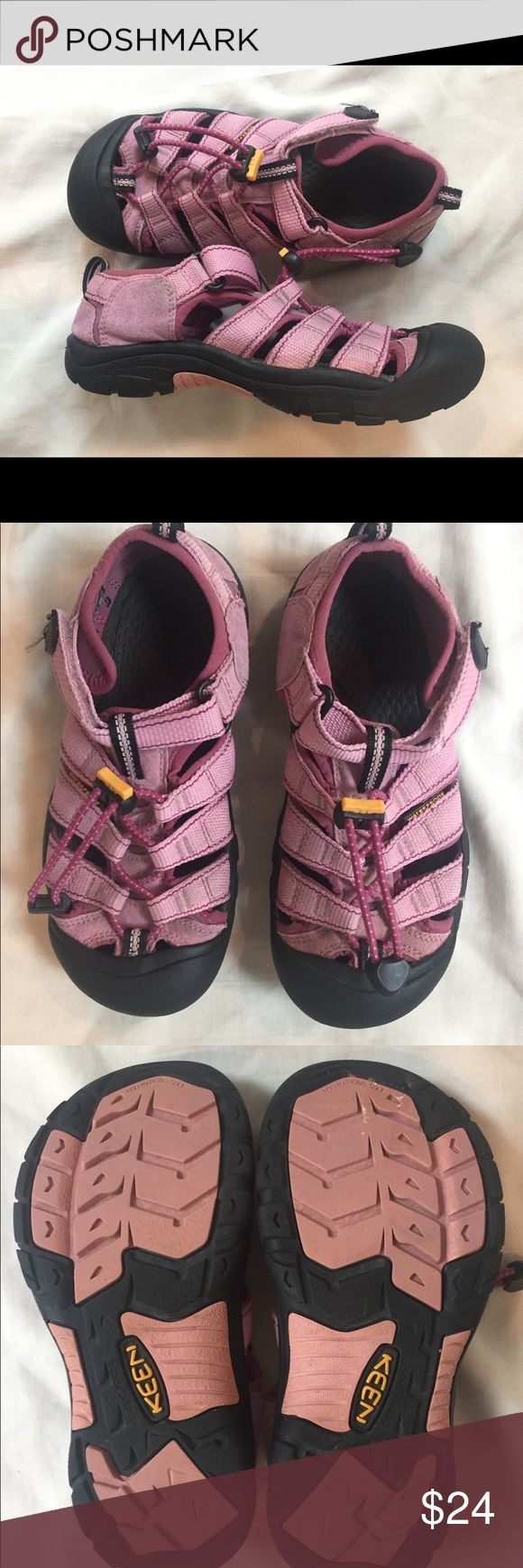 "Keen pink sandals Support your kid's feet as they grow with comfortable, protective sandals. Great for everyday use, hiking, water shoes etc. washable. Condition: gently used, no major flaws. Labeled ""2 US"" (girl, not toddler size). No trades. Cheers! Keen Shoes Sandals & Flip Flops"