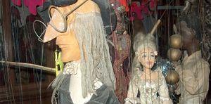 Zin in een theater? Maar met marionetten? Théatre Royal du Peruchet en zijn marionetten verwelkomen u met open armen voor jong en oud in Elsene!