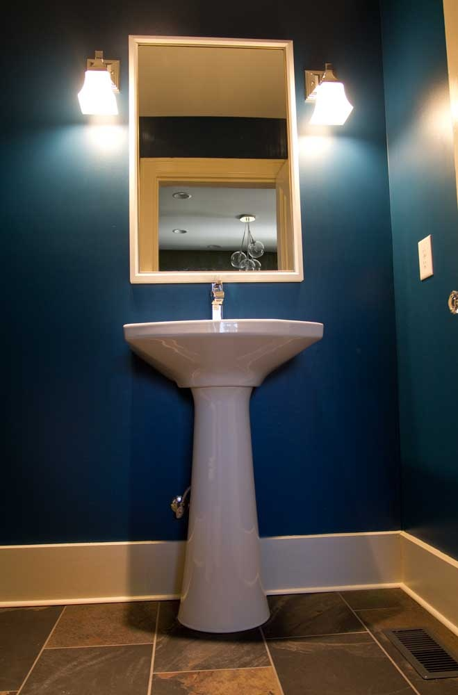 Indigo blue bathroom nashville tn stratton exteriors for Bath remodel nashville