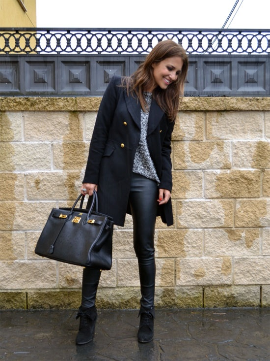 Bajo la lluvia: Fashion, Girl, Tenu Dautomn, Under, Tenu D Automn, Con Stilo, Leather, Shoes Shoes, Rain