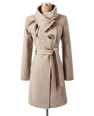 Jessica Simpson: Love my new coat!