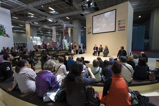 Lo spazio Lingua Madre nel Padiglione 3 durante il Salone Internazionale del Libro 2013 #lingottofiere #salto13