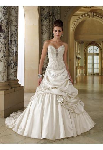 Schönste modische Brautkleider München kaufen online