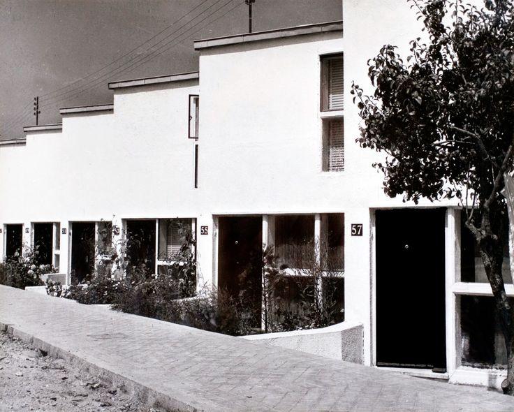Grupo de vivendas en San Antoniño | José Antonio Corrales e Joaquín Basilio Bas | Pontevedra (1962)