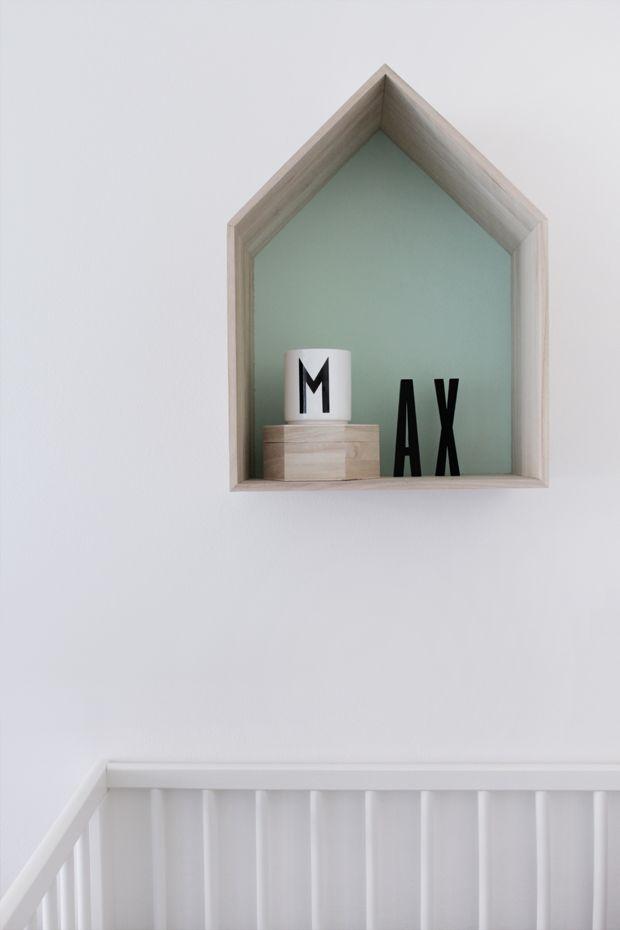 House-shaped shelf - simple and cute