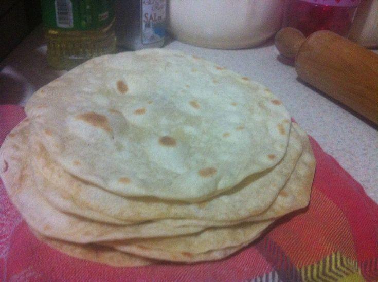 Tortillas de harina estilo Sonora, mantequilla y leche, por Cecilia Carrillo