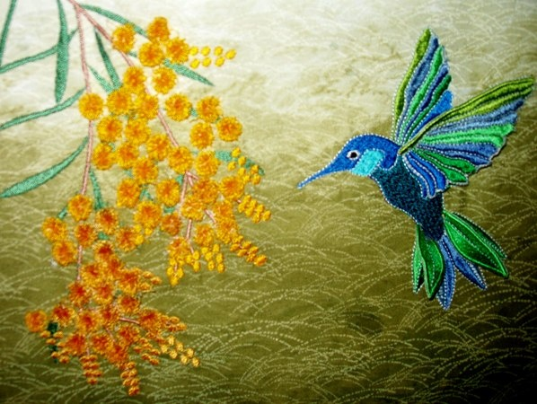 machine embroidered hummingbird picture