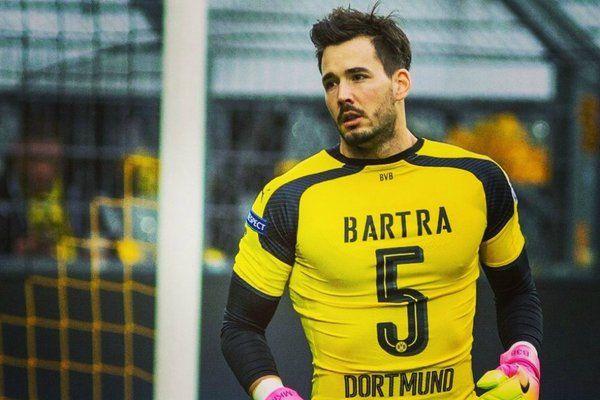 Présent dans le car du Borussia Dortmund visé par un attentat mardi dernier, Roman Bürki, le portier suisse du BvB, s'est confié au quotidien suisse Der Bund. Un témoignage bouleversant.