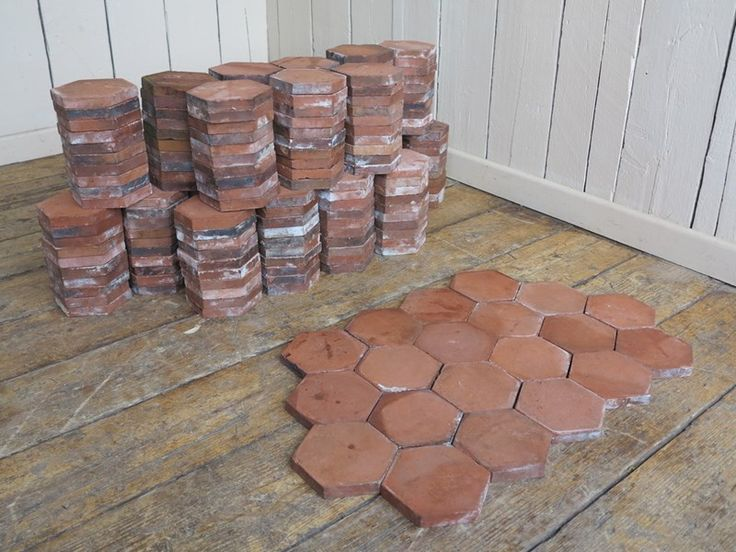 A hexagon shaped quarry tile that are in fantastic condition, the backs are nice and clean and ready for laying. Quarry tiles are warm and practical.