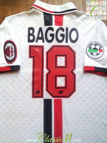Relive Roberto Baggio's 1996/1997 Serie A season with this vintage Lotto AC Milan away football shirt.