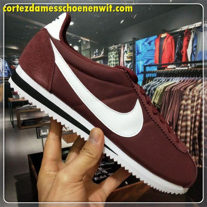 separation shoes 22750 e8254 Nike Classic Cortez 807472-100 Nylon Dames Loopschoenen Bruin Wit Zwart