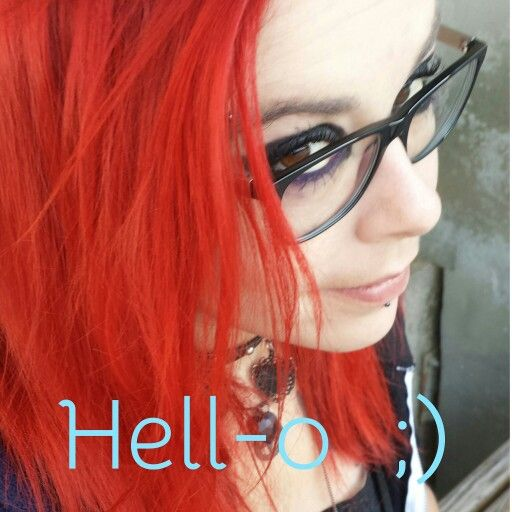 Red Hair with glasses #hairstyle #hairred #hair #red #crazycolor #nofilter #redhair #cheveuxrouge #coloration #semipermanente #hairstyle #rouge #hellolescheveuxrouges #glasses #hello