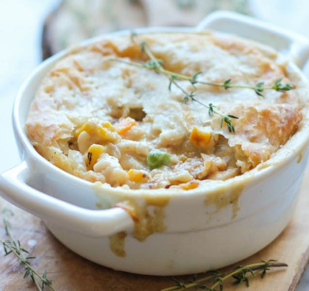 Leftover Thanksgiving Turkey Pot Pie | Leftover Turkey? These 16 delicious and completely different recipes of turkey will make your family ask for more! From Refreshing Salad Recipe to a Marvelous and Mouth Watering Cheesy Pizza Recipes! Check it out at HomemadeRecipes.com