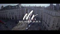 26-enne attore britannico Josh Whitehouse affiancato dalla 23-enne modella inglese Amber Anderson protagonisti del videoclip per il profumo Mr Burberry