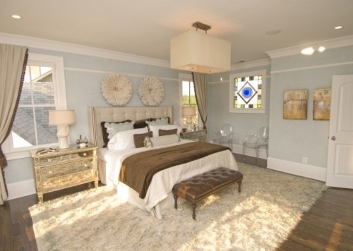 Like the headboard and the leather bench