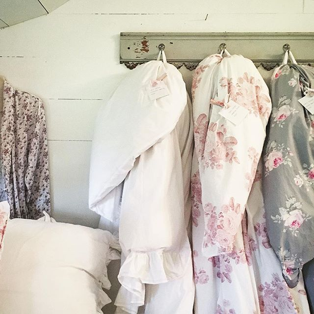 1535 best images about Shabby chic on Pinterest | Shabby chic beds ...