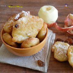 FRITTELLE DI MELE E CANNELLA, deliziose un dolce classico della tradizione del Trentino Alto Adige .Di solito le frittelle vengono preparate con le fette di mele passate ......