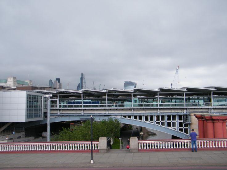 Puente Urbano en el Tamesis