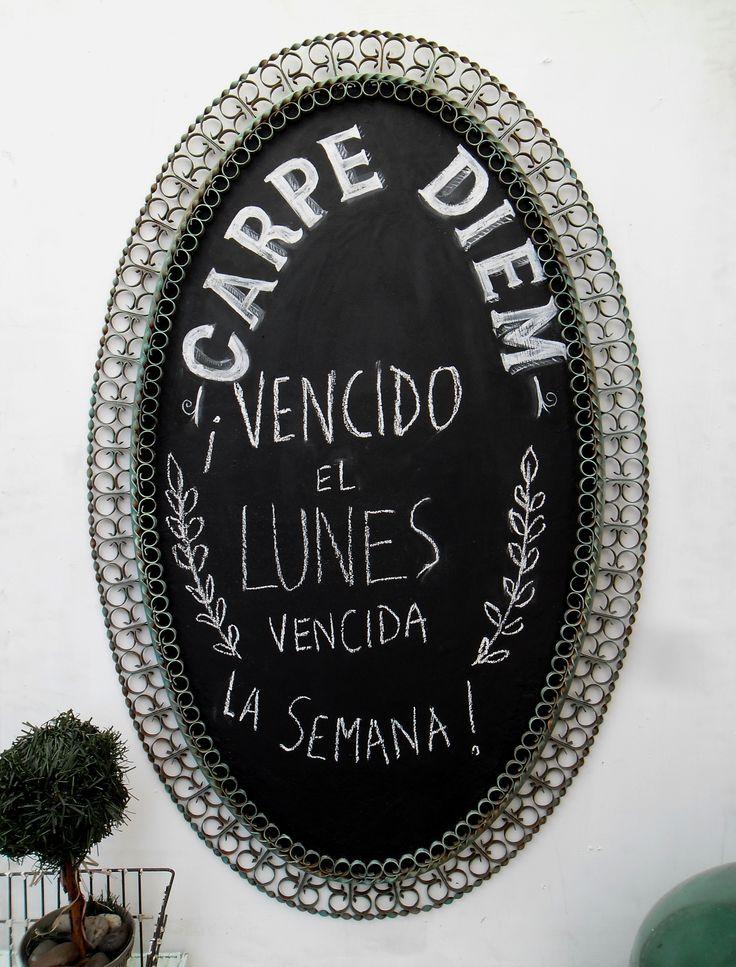 https://www.pinterest.com/nadasepierde/carteles-pizarrones-y-cuadritos/ PIZARRÓN CON MARCO RETRO