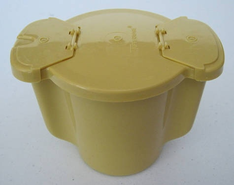 Tupperware Sugar Bowl- still use one My Maw-maw and paw-paw had one