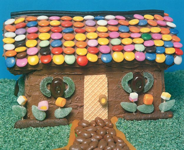 Gingerbread House | The Definitive Ranking Of Women's Weekly Children's Birthday Cakes