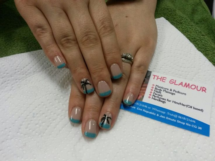 Nail art palm tree by The Glamour