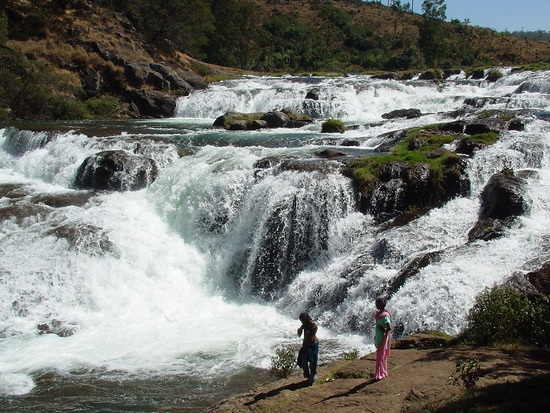 Get ooty tour packages and holiday packages at affordable rates : Pretty Pykara falls, Ooty, Ootacamund - Beautiful Ooty, Avalanche, Nilgiris District, Tamil Nadu, India