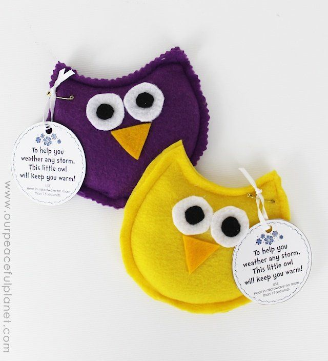 Cute and easy to make owl hand warmers | via Our Peaceful Plannet