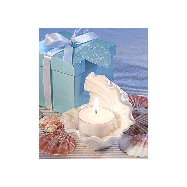 Proprio come il guscio di un ostrica reale, questo squisito porta candela dal design  a conchiglia è pronto ad illuminare il vostro giorno più importante donando ai tavoli  del ricevimento un tocco tipicamente marino.   Adatto ad ogni ricorrenza, questo splendido porta candela sarà indubbiamente un  regalo apprezzato da amici e parenti in ricordo di questa giornata.   Ogni oggetto presenta la classica forma di un guscio d'ostrica aperta, ed è realizzato  in ceramica bianco perla con un ...