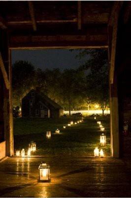 lantern path: Entrance Way, Night Time Wedding, Wedding Ideas, Lanterns Wedding, Country Girls, Big Glasses, Lanterns Lights, Mason Jars, Night Wedding