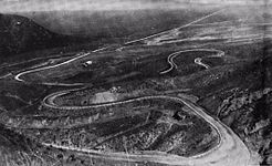 View of the Grapevine loops looking north toward the San Joaquin Valley ca. 1920, before the Ridge Route Alternate was built off to the left.