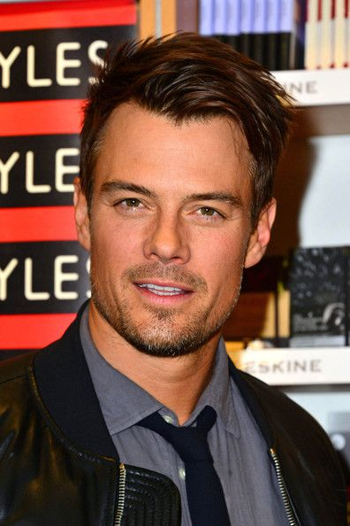 Josh Duhamel - Josh Duhamel and Julianne Hough at 'Safe Haven' Book Signing