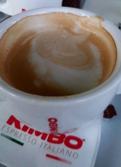 De cele mai multe ori, ce e prea mult strica – acest lucru se aplica si in cazul espresso-ului si cafelei  Daca ai folosit vreodata cafeina pentru a putea