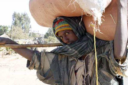 Prosegue il nostro viaggio per raccontare l' #Etiopia africana e asiatica. Paesaggio, morfologia del territorio, religioni, storia passata e recente. Un paese che affonda le sue radici nella notte dei tempi e si chiude con l'ultimo sovrano, il Negus Hailè Selassiè