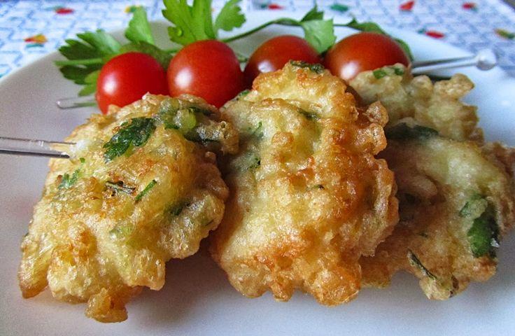 Pataniscas de bacalhau com salsa…
