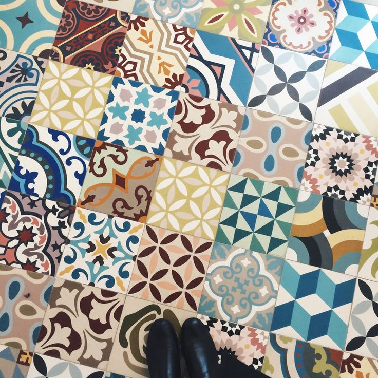8 best carreaux de ciment images on pinterest tiles flooring tiles and bathroom. Black Bedroom Furniture Sets. Home Design Ideas