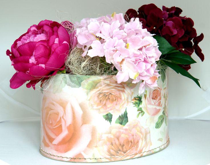 Oválná krabice s motivem růží / oval #box with roses - #Leitner collection, #Kazeto http://www.kazeto.cz/vyhledavani/?search=r%C5%AF%C5%BEe