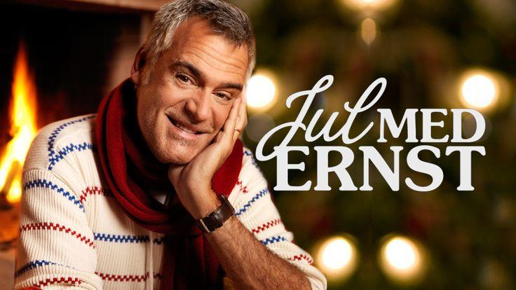 Ernst Kirchsteiger inreder, pysslar och lagar mat inför julen.