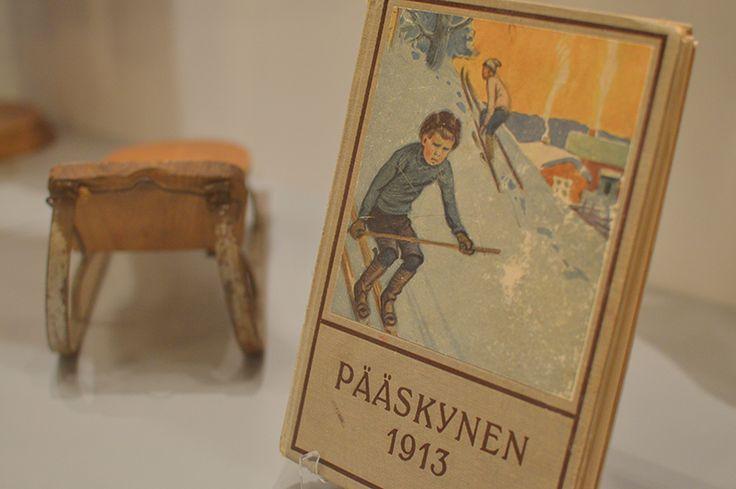 Turkansaaren ulkomuseon kokoelmissa on noin 1 000 kappaletta Östen Elfvingin ja Brita Heleniuksen lahjoittamaa esinettä. Luuppi, Oulu (Finland)