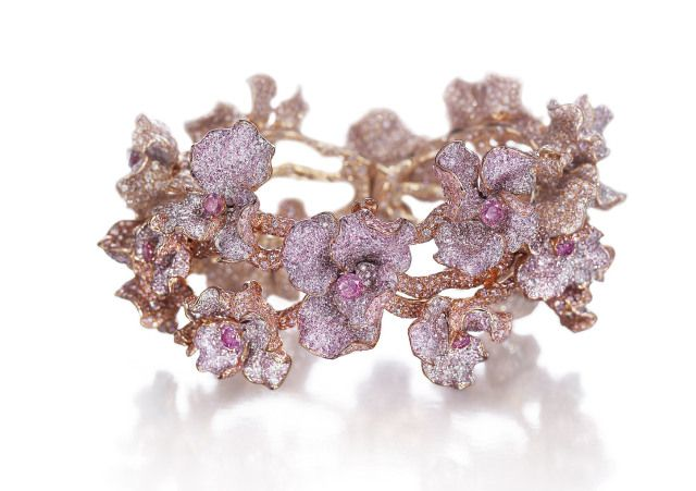 Swoonery to Sell $3M Natural Pink Diamond Bracelet Online [Premium]