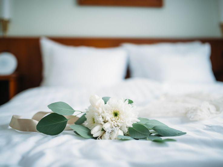 Hääyötä voi viettää joka vuosi. Varaa hääpäivääsi Sokos Hotellien hemmottelupaketti!