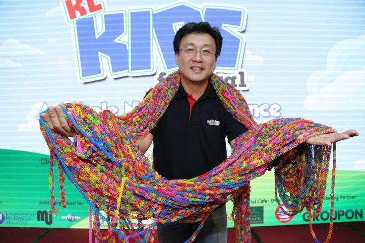 Longest Rainbow Loom Chain In Asia At Kuala Lumpur Kids